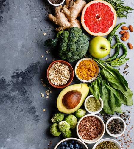 Healthy fruits and vegetables, all part of a healthy diet and nutriion plan, like those delivered by Dr. Reuben Elovitz and the team at Private Health Dallas.